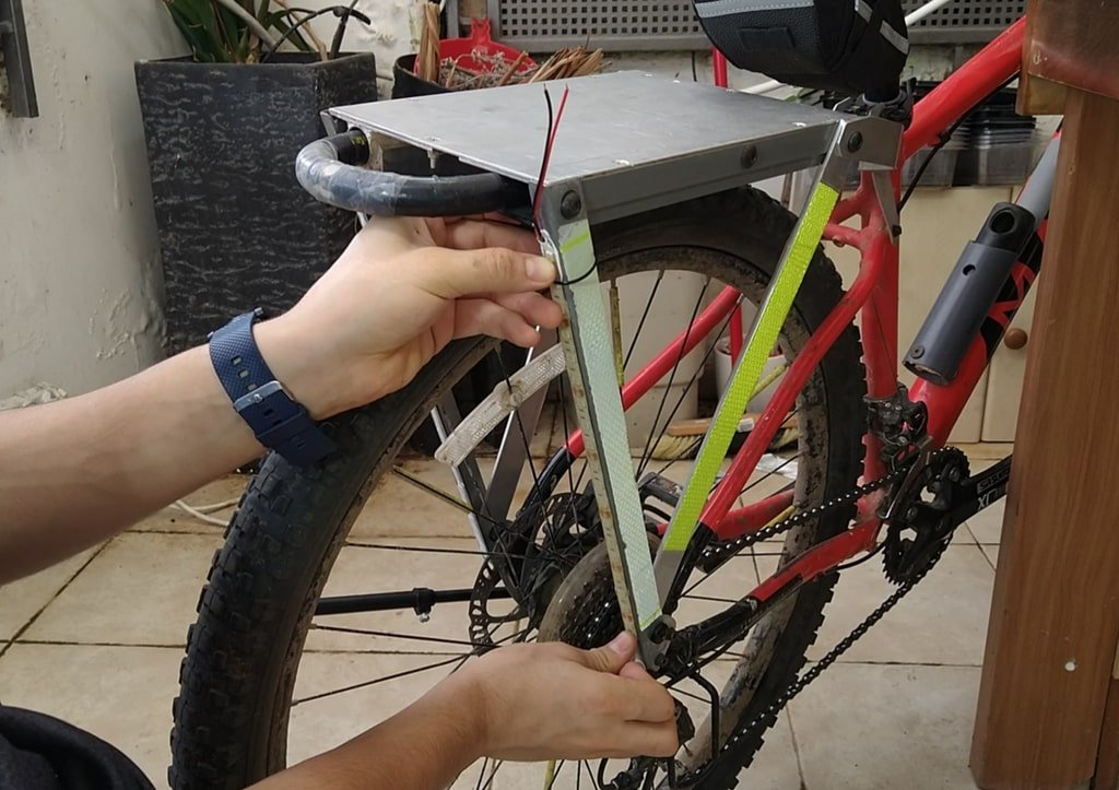 Дополнительная яркая подсветка для велосипеда