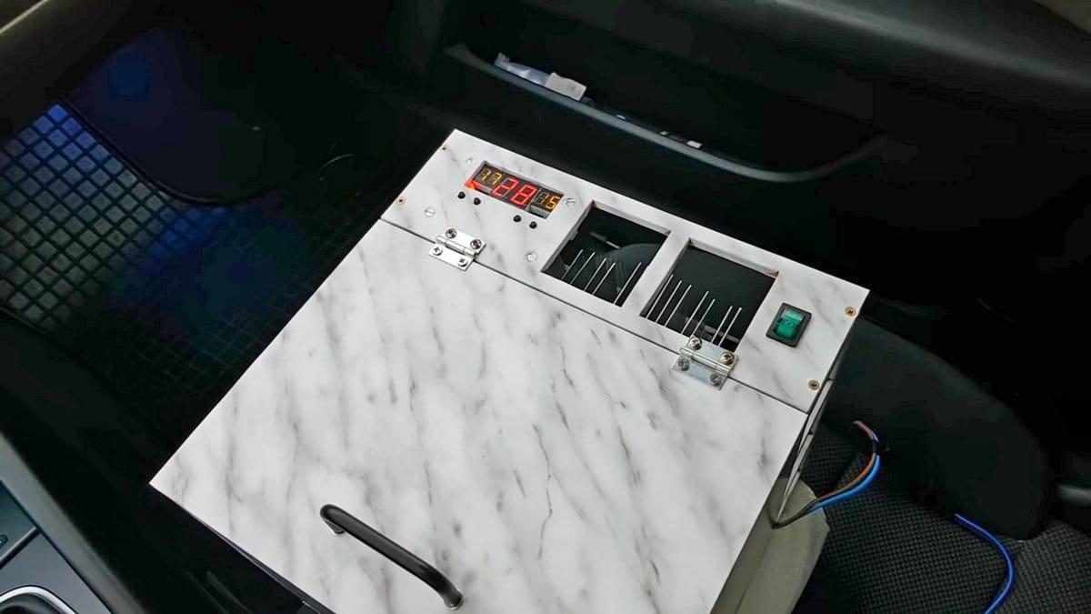 Автохолодильник на элементах Пельтье