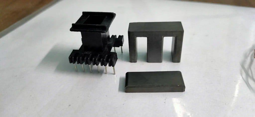 Преобразователь постоянного тока  12 В - 220 В/ 200 Вт