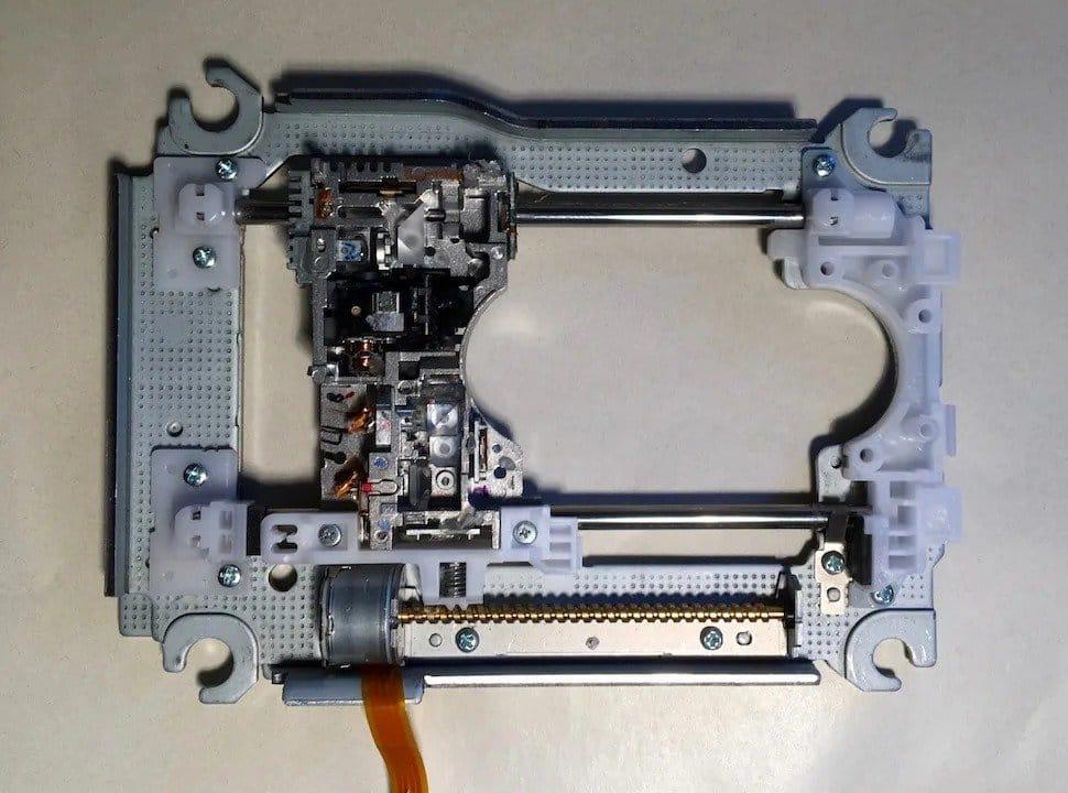 Небольшой мини-плоттер из деталей DVD-привода