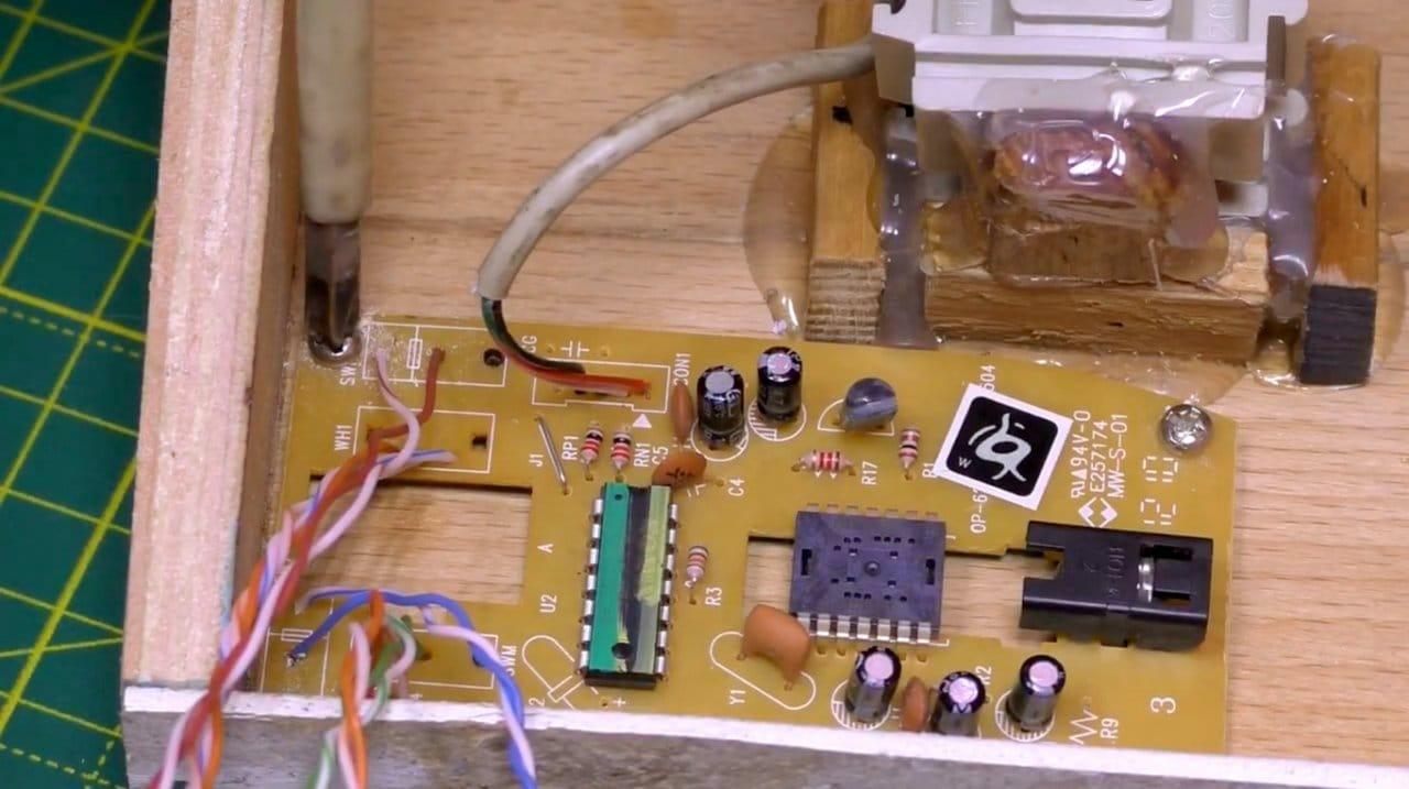 Делаем простой компьютерный игровой руль (+педали) из старой мышки