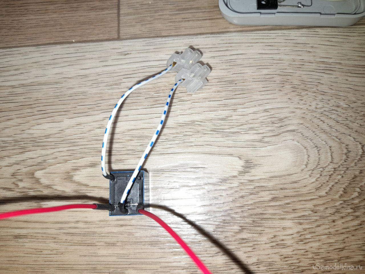 Сенсорный выключатель освещения с дистанционным управлением
