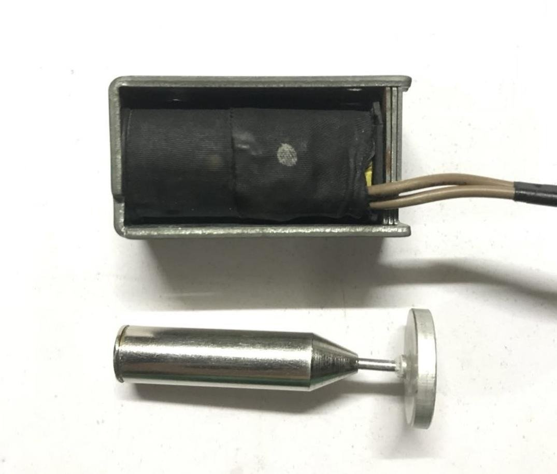 Магнитная левитация с помощью катушки соленоида