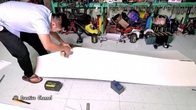 Как изготовить моторную лодку из пенопласта и эпоксидного клея