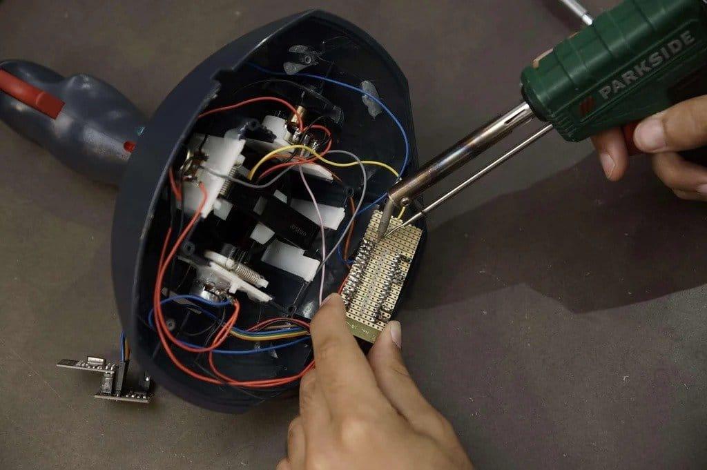 Турельная установка с беспроводным управлением (стреляет шариками для бластеров Nerf)