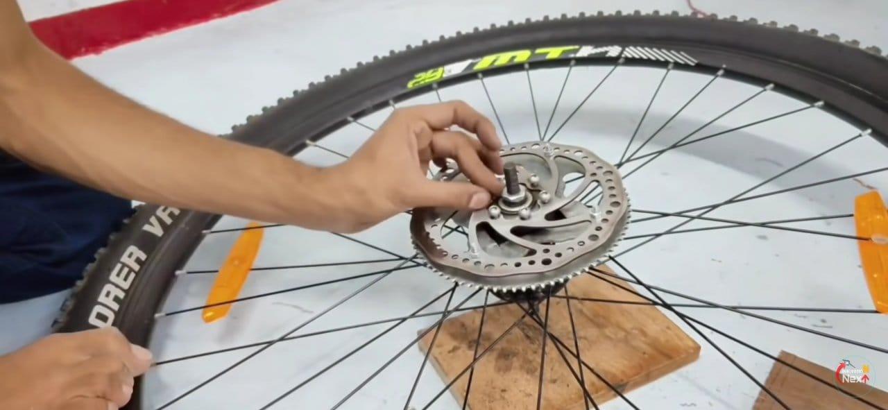 Самое простое мотор колесо для любого велосипеда своими руками