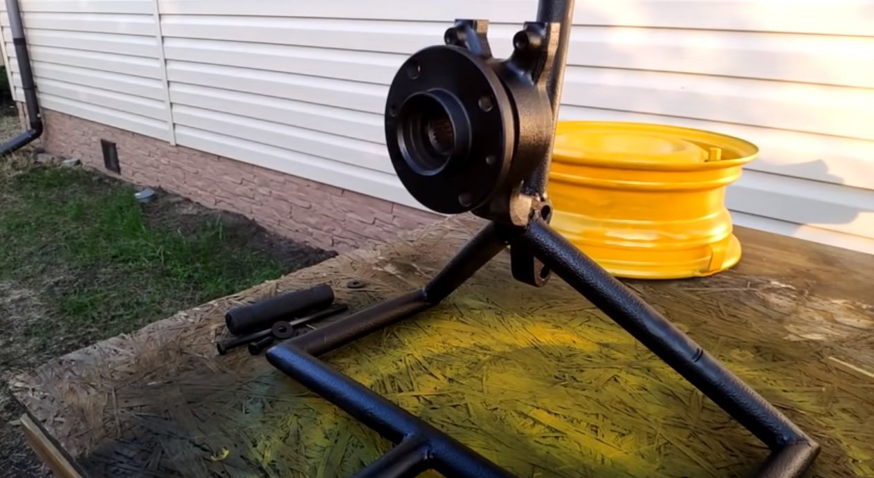 Катушка для садового шланга из автомобильного диска