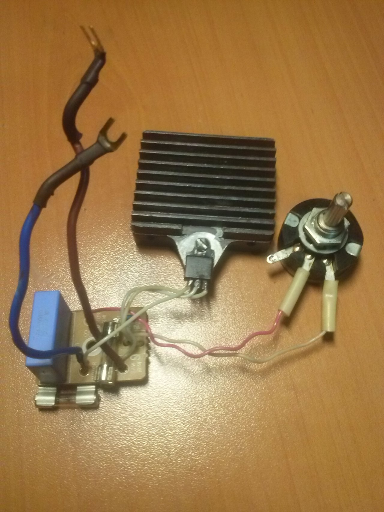 Регулятор мощности электроинструмента и бытовых приборов от сетевого напряжения