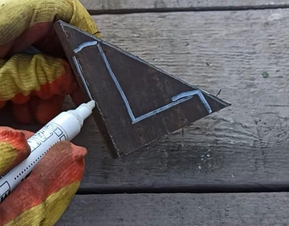 Удлинённый секатор для веток или что можно сделать из сломанного секатора