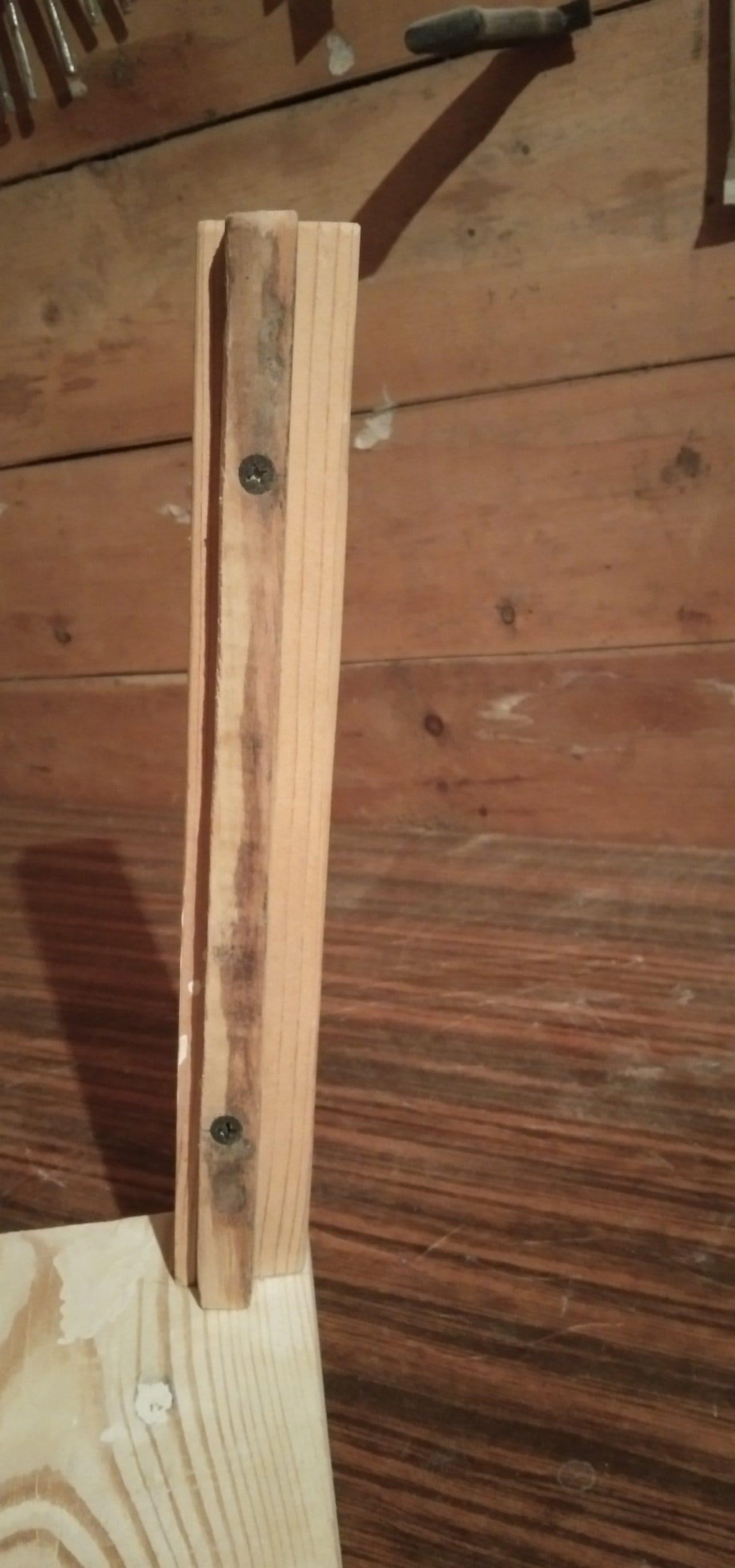 Садовая тележка - предмет декоративного оформления участка