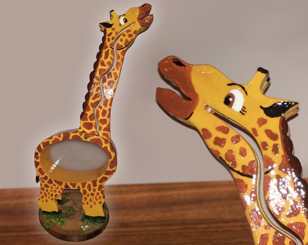 Яркая копилка в форме жирафа своими руками