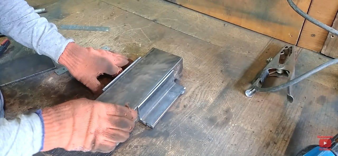 Мощные гаражные тиски из швеллеров своими руками