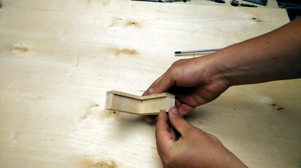 Уголок каменщика своими руками