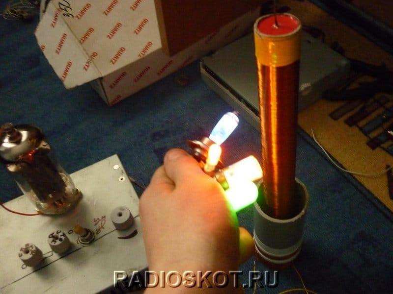 Ламповая катушка Тесла