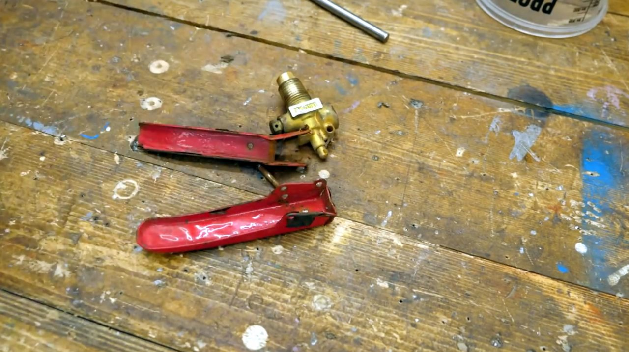 Коптильня из старого огнетушителя своими руками