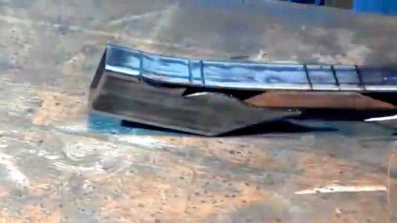 Фигурный уголок из профильной трубы своими руками