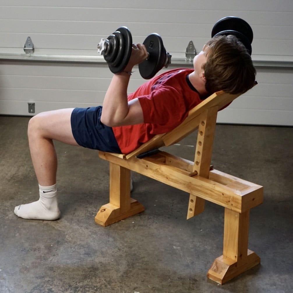 Силовая скамья для занятий спортом