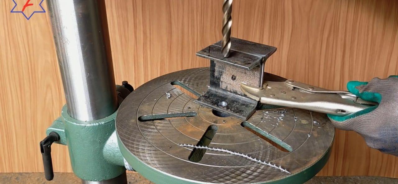 Настольная телескопическая струбцина из подручных средств