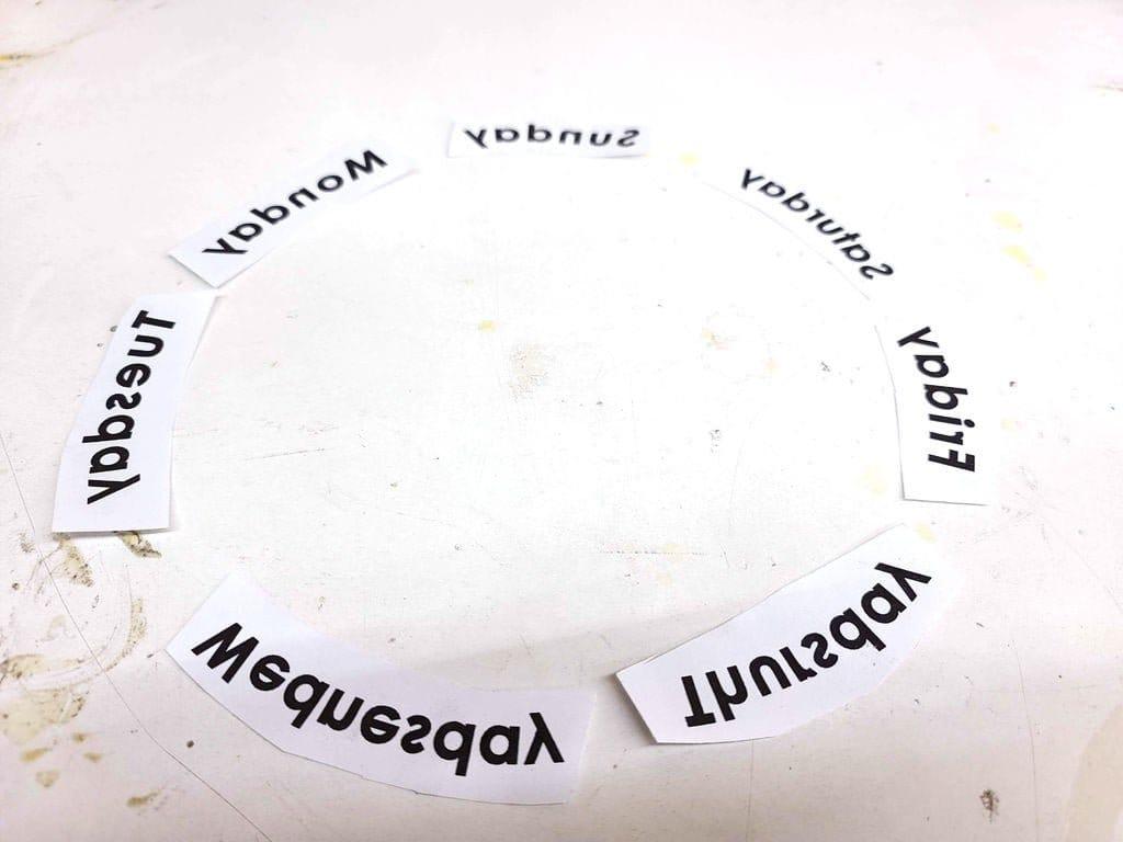 Деревянный вечный календарь на Ардуино