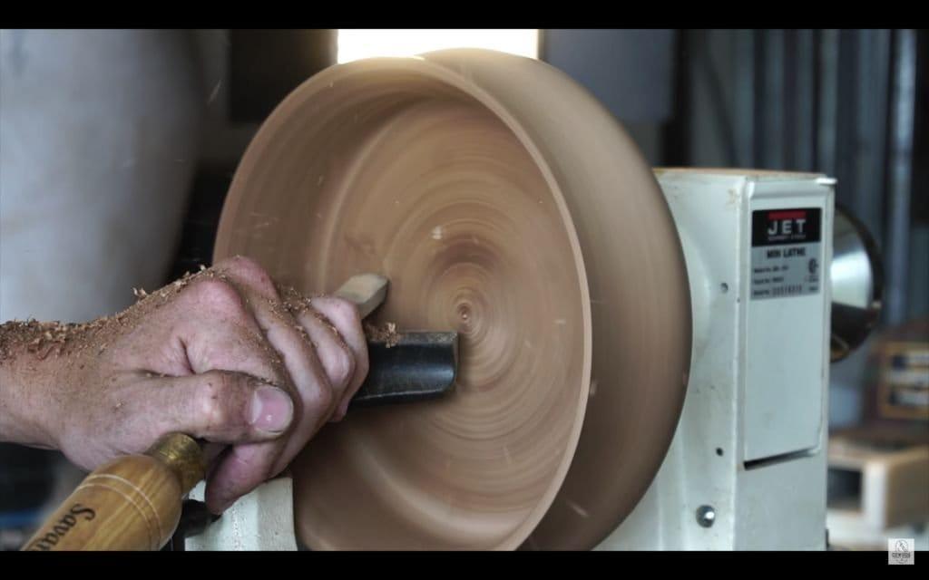 Изготовление деревянной миски на токарном станке