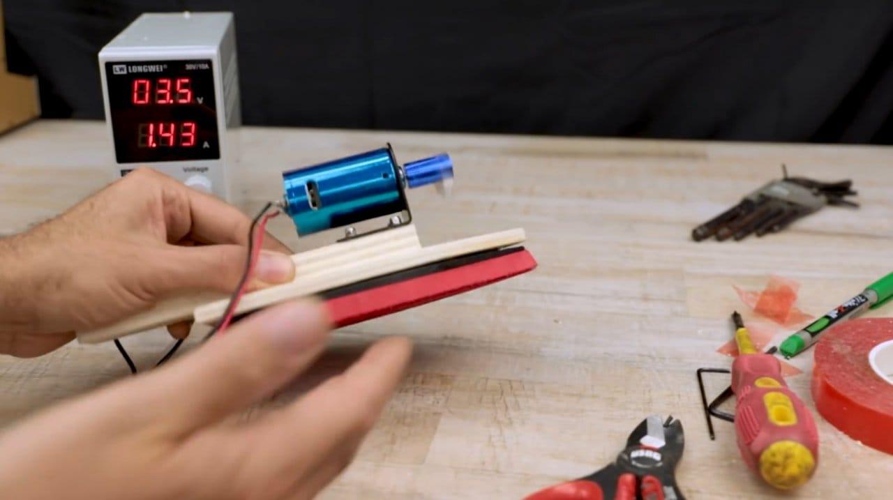 Вибрационная шлифовальная машинка на аккумуляторе своими руками