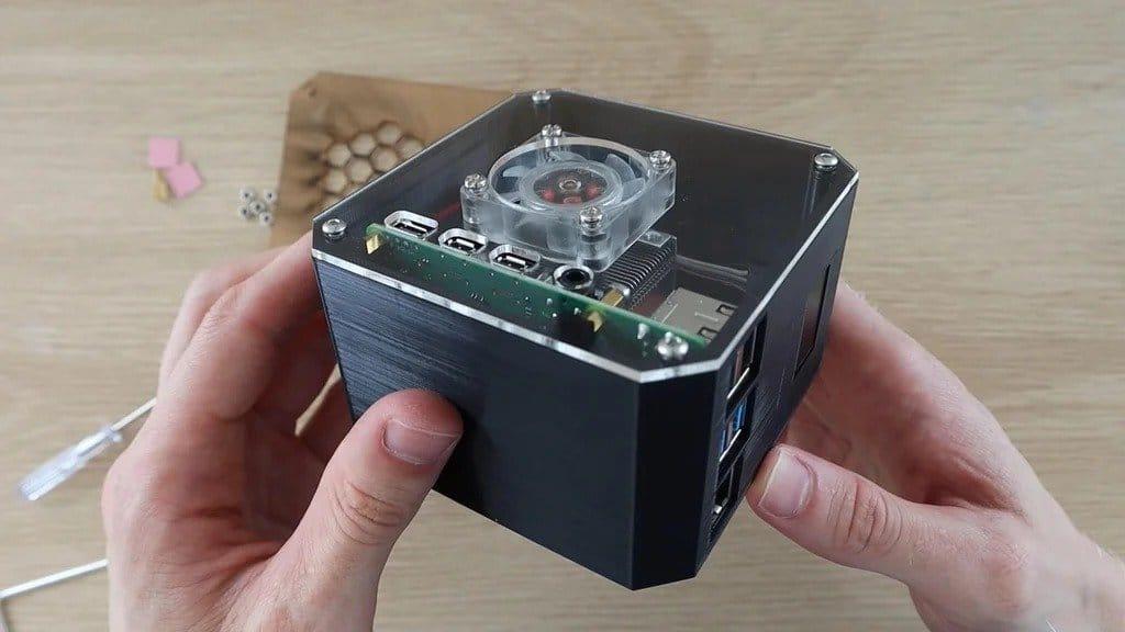 Настольный ПК на базе Raspberry Pi