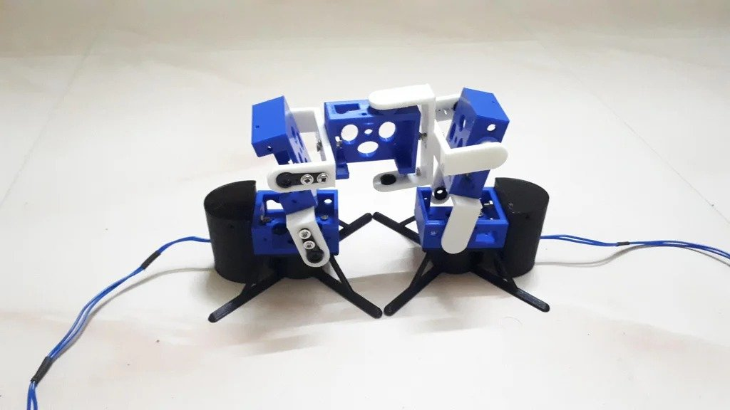 Робот - гусеница, с управлением через смартфон