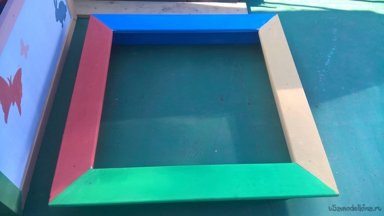 Small children's sandbox with their own hands