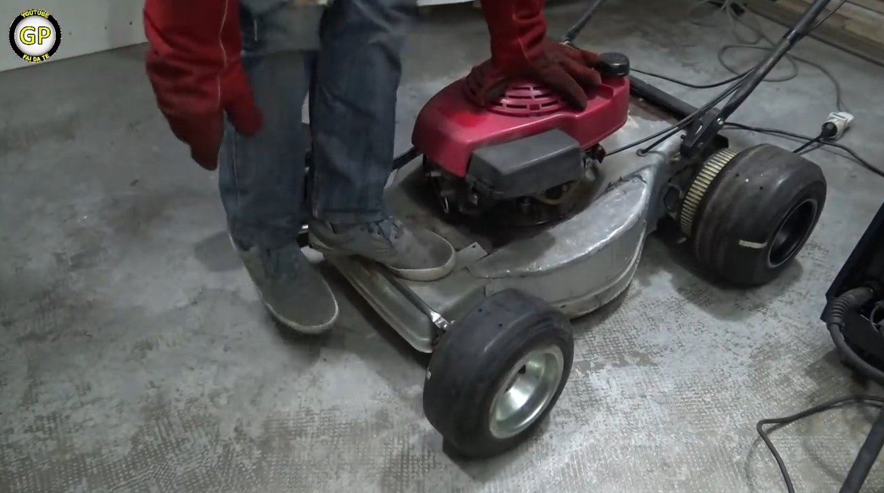 Maps for a child from a self-propelled lawn mower
