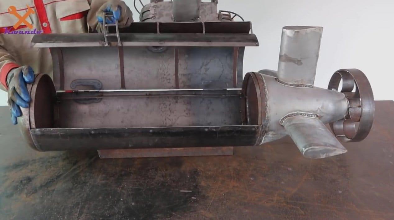 Уникальный мангал в виде подводной лодки