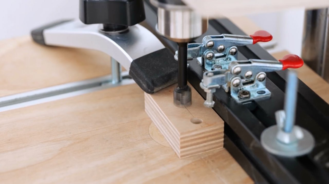 How to make a universal sharpener for carpentry tools and knives