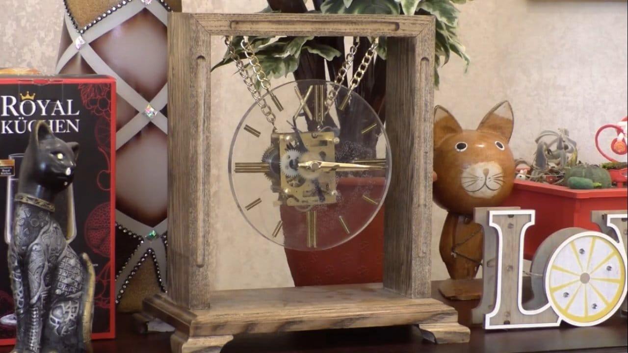 Часы из дерева и эпоксидной смолы