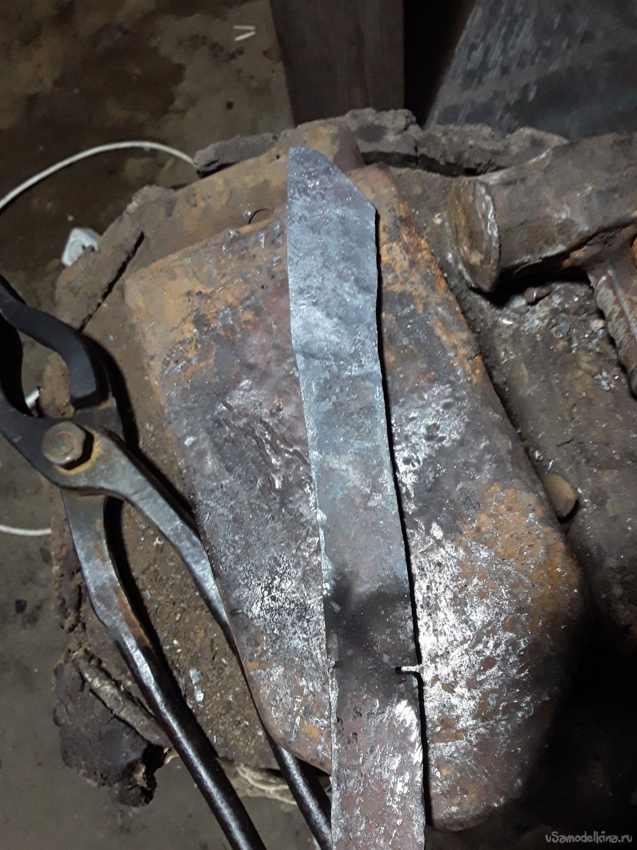 Forged knife from a spring