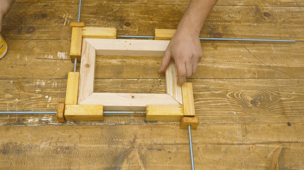 Simple do-it-yourself frame clamp