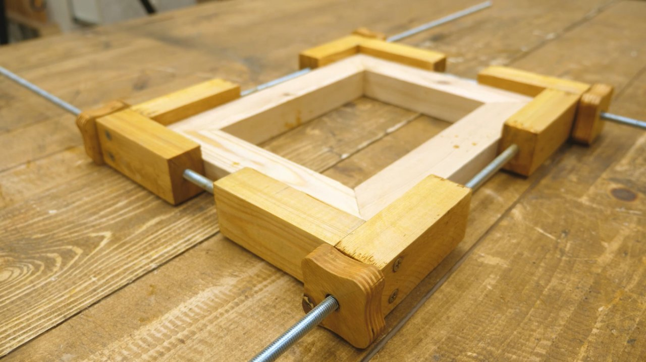 A simple DIY frame clamp