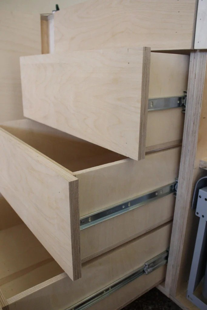 Cheap kitchen made of plywood + a few interesting ideas