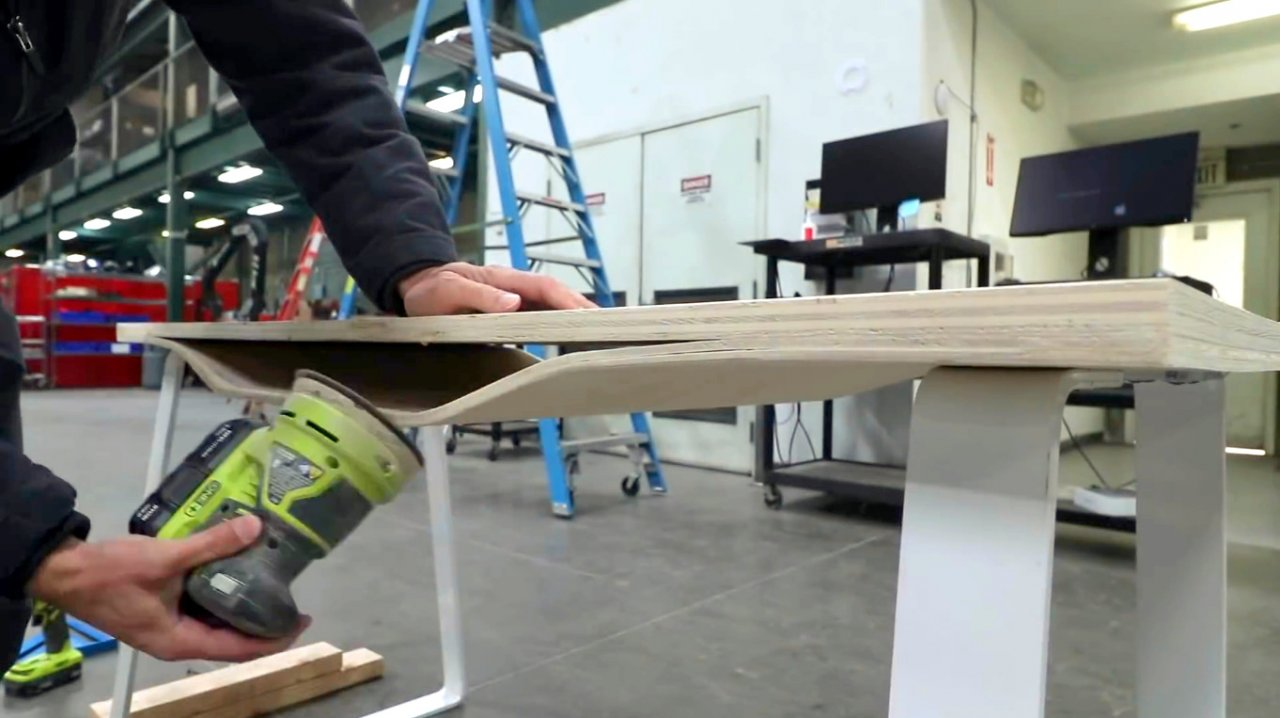 How to make a table with an unusual curved top