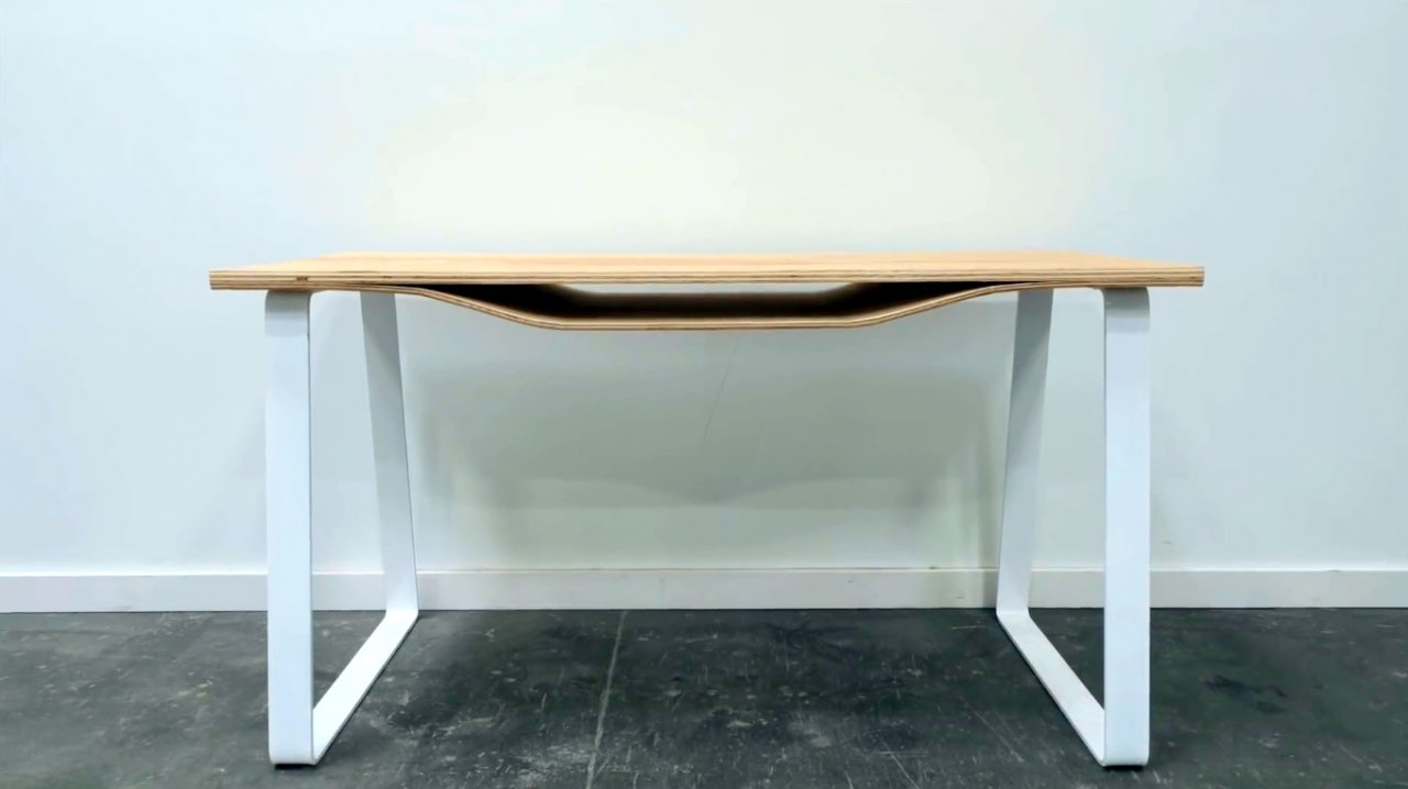 How to make a table with an unusual curved tabletop