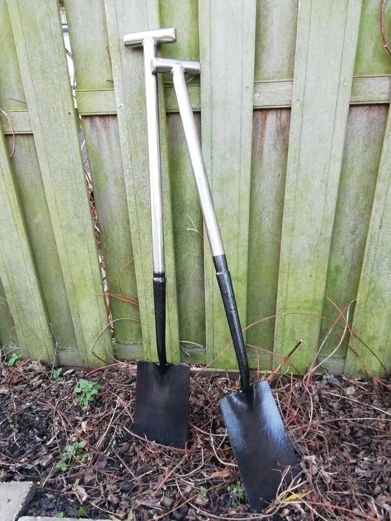 Shovel with non-kill handle
