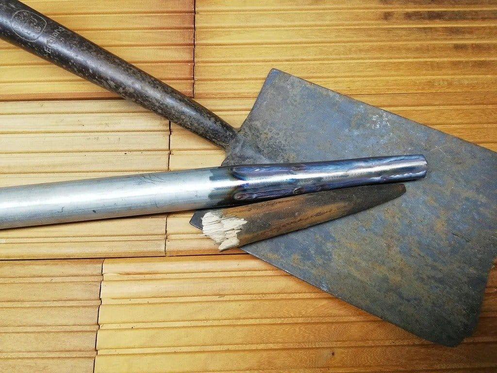 A shovel with a non-kill handle