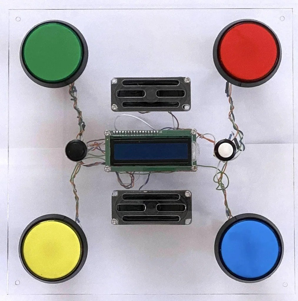 Electronic game for attentiveness and reaction