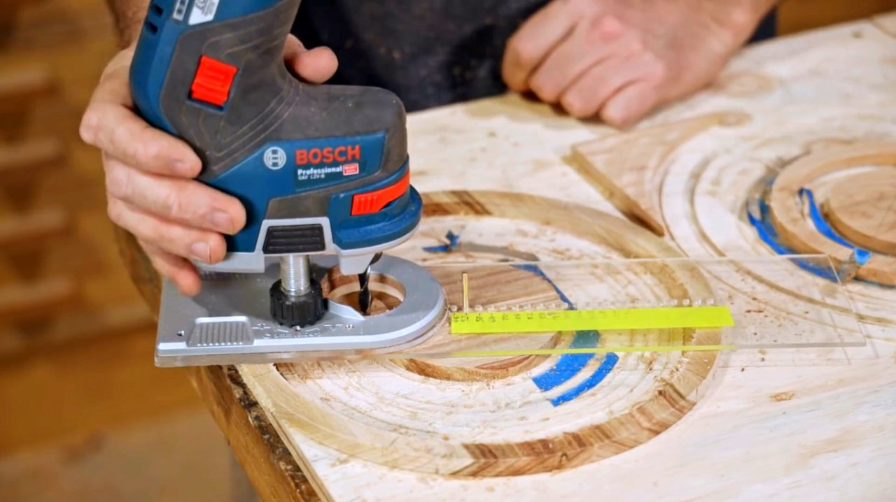 Do-it-yourself chopping board, features of working with circular accessories for the router