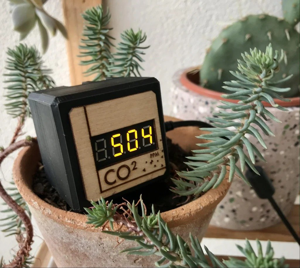 CO2 monitoring device