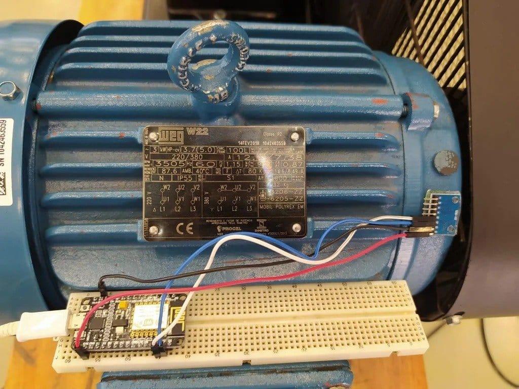 Compressor monitoring by remote access principle