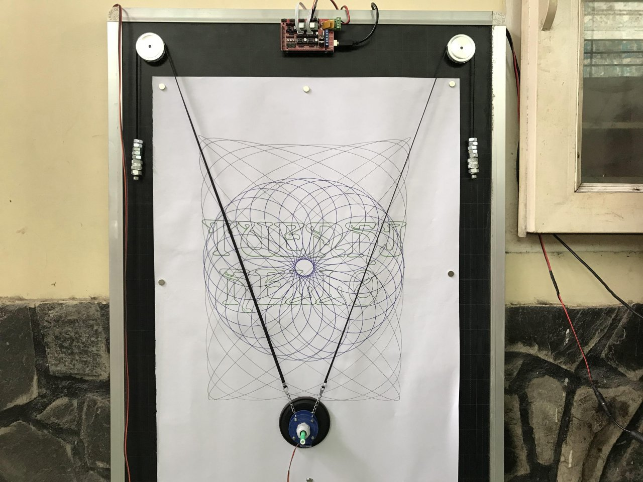 Vertical plotter for drawing on large-format paper