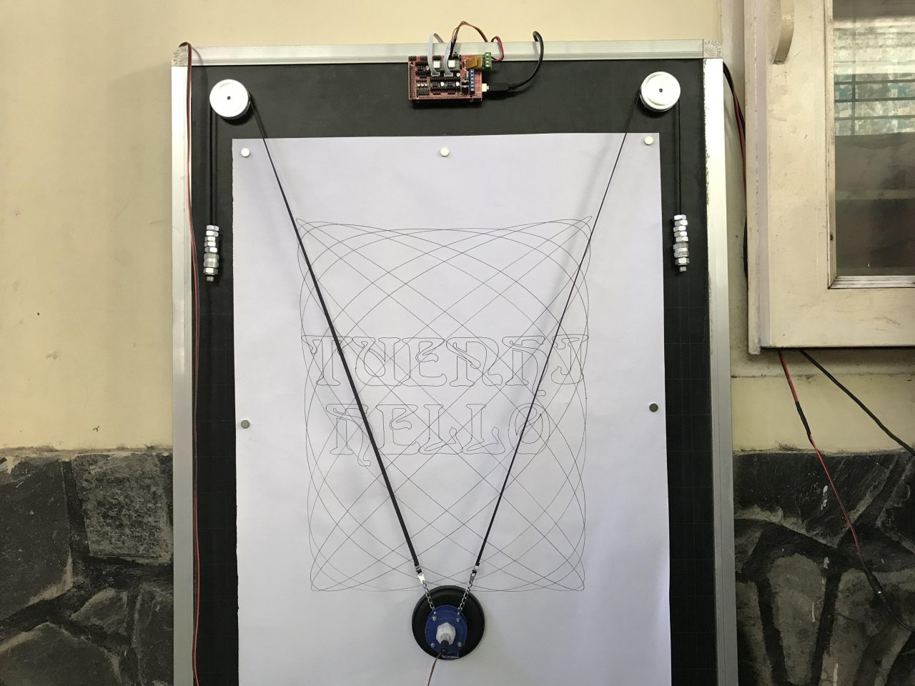 Vertical plotter for drawing on large format paper