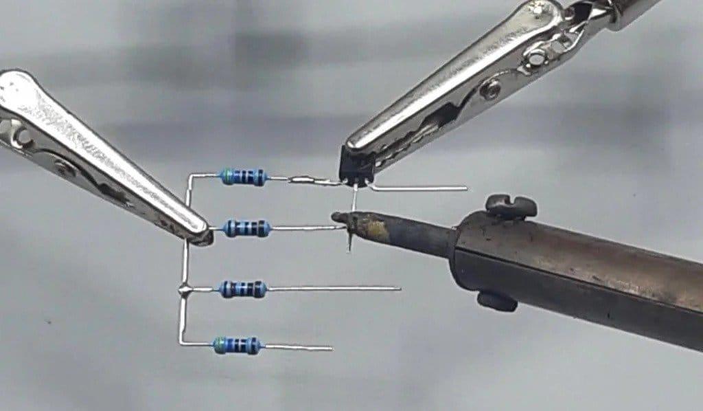 Simple flip-flop schema
