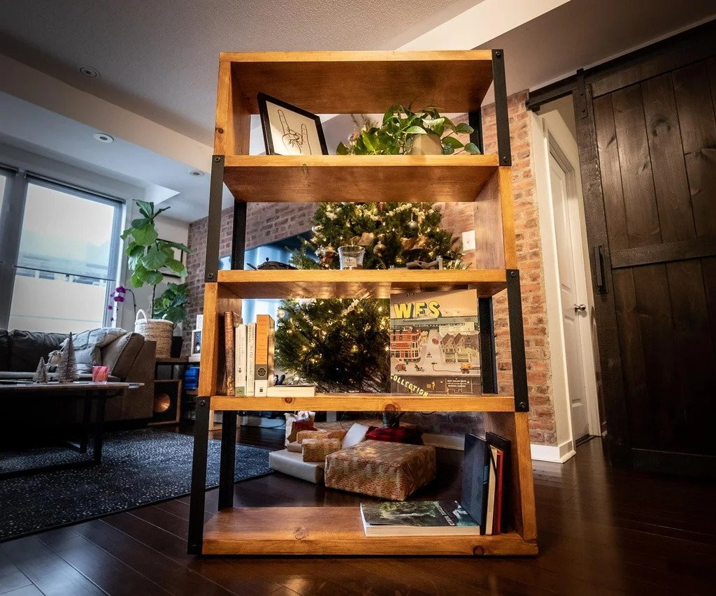 Bookcase made of wood and metal