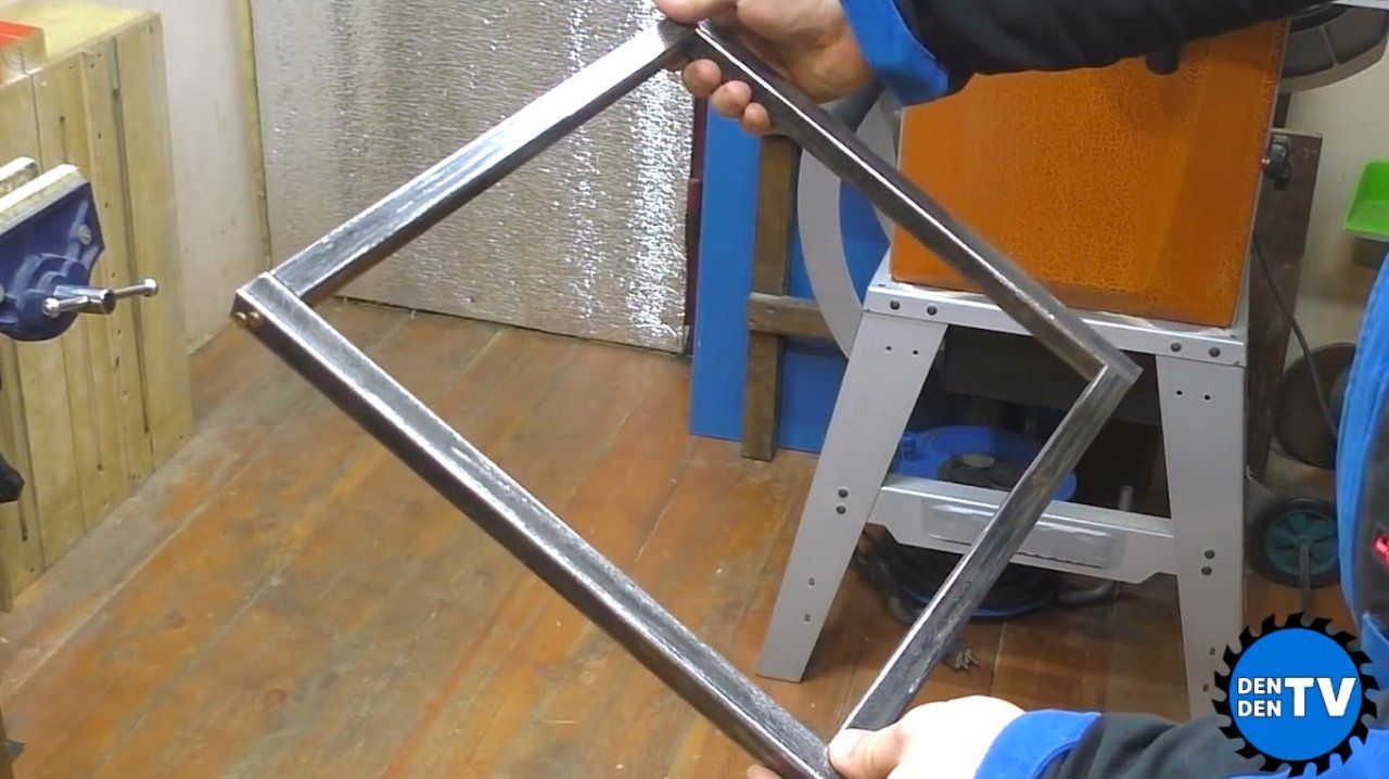 Corner connection of profile pipes without welding