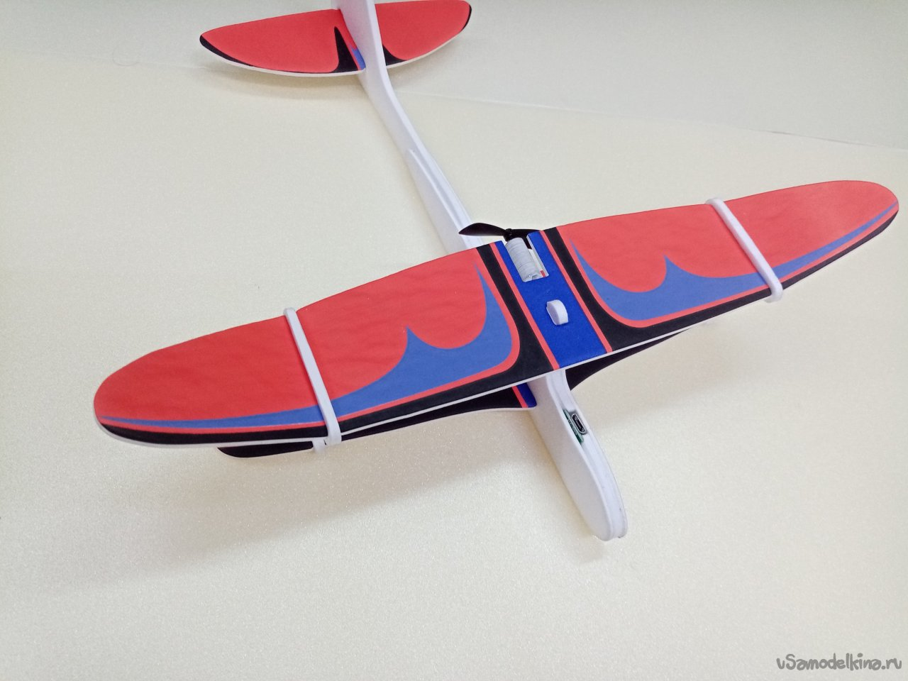 New Year's gift for yourself, children's airplane